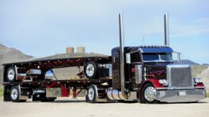 trucks_18_wheeler_peterbilt_automotive_m29839
